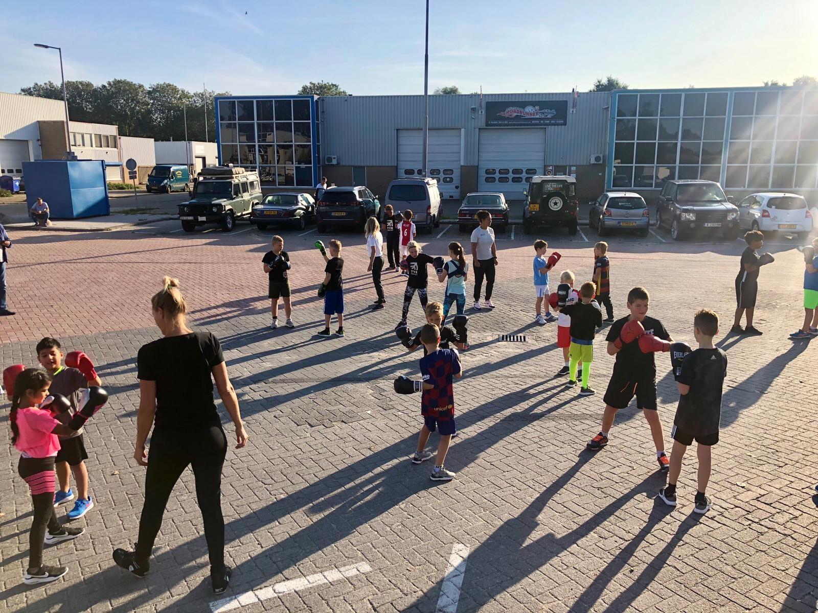 Woensdag 13 mei starten de kids boxing trainingen buiten naast de boksschool